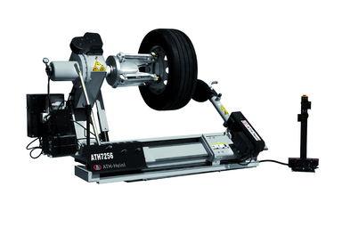 Riepu montāža un balansēšana tiek veikta uz kvalitatīvām Hunter firmas iekārtām.
